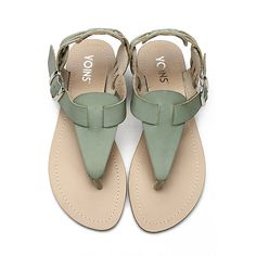 Yoins Green Retro Leather Look Buckle Flat Thong Sandals ($28) ❤ liked on Polyvore featuring shoes, sandals, yoins, vegan sandals, toe thong sandals, flat sole shoes, green flat sandals and toe thongs