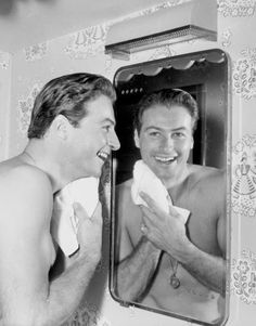 LEX BARKER CANDID BARECHESTED BEEFCAKE AFTER SHAVE   8X10 PHOTO 54