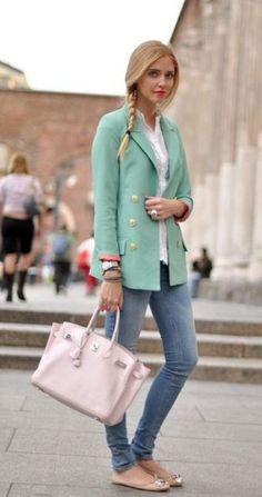 Fashion Blogger Chiara with mint:-)
