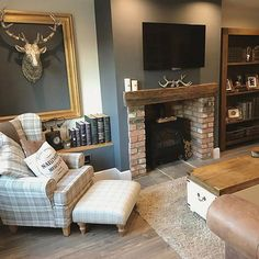 elegant fireplace makeover for farmhouse home deco Cottage Living Rooms, New Living Room, Living Room Interior, Home And Living, Country Cottage Living Room, Living Room Fire Place Ideas, Small Living, Cosy Living Room Decor, Woodland Living Room