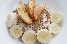 Start your day with great breakfast ideas that are easy, tasty and fit for the clean eating diet. From peanut butter to healthy breakfast smoothies, you will find healthy choices without sacrificing taste. Healthy Breakfast For Weight Loss, Healthy Breakfast Recipes, Healthy Recipes, Skinny Recipes, Healthy Weight, Brunch Recipes, Diet Snacks, Healthy Snacks, Healthier Desserts