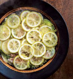 レモンの酸味とほろ苦さを楽しむ、うまみたっぷり「レモン鍋」レシピ [with] (講談社 JOSEISHI.NET) - Yahoo!ニュース
