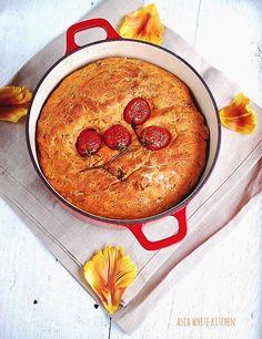 Asia White Kitchen: Chleb pomidorowy z suszonymi pomidorami i pistacja...