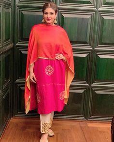 Pakistani Dress Design, Pakistani Outfits, Embroidery Suits Punjabi, Indian Embroidery, Embroidery Dress, Indian Wedding Outfits, Indian Outfits, Punjabi Wedding Suit, Indian Fashion