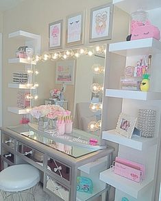 Are you in need of some genius small space bedroom storage ideas? Well, you're i… Sponsored Sponsored Are you in need of some genius small space bedroom storage ideas? Well, you're in luck! Click through to see 15 unexpected Ideas… Continue Reading → Sala Glam, Small Space Bedroom, Bedroom Ideas For Small Rooms For Girls, Teen Girl Bedrooms, Bedroom Storage Ideas Diy, Room Decor Diy For Teens, Bedroom Storage Ideas For Small Spaces, Teenager Rooms, Hot Pink Bedrooms