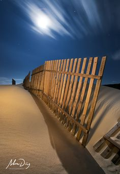 Nocturnal lines by Alonso Díaz on 500px  . Long-Exposure Photography