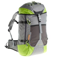 Quechua Forclaz 40 - just the right size to take on easyjet as cabin luggage Backpacking, Camping, Cabin Luggage, Decathlon, Outdoor Store, Hiking Backpack, London Travel, Outdoor Outfit, Sport