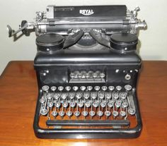 Vintage Royal Typewriter Antique by SusieSellsVintage - How many hours did I spend in my early teens, trying to conquer touch typing? Royal Typewriter, Antique Typewriter, Typewriter Tattoo, Royal C, Vintage Antiques, Vintage Items, Vintage Phones, Cash Register, Vintage Typewriters