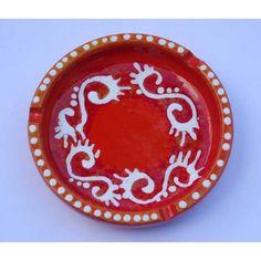 Ceramica Artistica  Posacenere rotondo in ceramica decorata a mano, realizzato a Cava de' Tirreni  Diametro cm 17 - Altezza cm 4.  Maggiori info su: http://www.keramos.it  Per contatti diretti: info@keramos.it    Ceramic Art  Round ashtray in hand-decorated ceramics. Made in Cava de' Tirreni  Diameter 17 cm - Height cm 4.  More info on: http://www.keramos.it  Direct contact: info@keramos.it