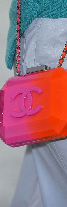 Best Handbag Design, Handbag Trend 2014 Chanel http://handbagdesign.info/