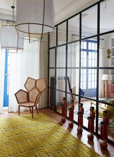 Entrée et petit salon separés par verrière- Appartement Parisien de 320m2- GCG Architectes