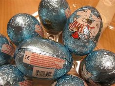 Muumi suklaamunat :) Easter Eggs, Food, Meal, Essen