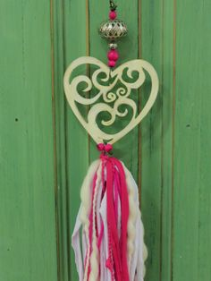 Me encanta! Diy Tassel, Tassels, Diy Jewelry, Jewelry Making, Diy And Crafts, Arts And Crafts, Mobiles, Romantic Shabby Chic, Scrap Material