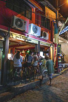Jack Burguer - Praia de Pipa, Brazil   heneedsfood.com