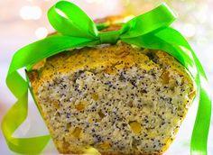 Découvrez la recette de cake de grands-mères. Pour préparer ce gâteau, il vous faudra : des oeufs, de la farine, du sucre, des ananas confits...
