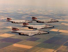 119th_F-101B_4ship.jpg (JPEG 画像, 2400x1859 px) - 表示倍率 (32%)
