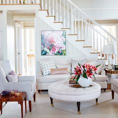 From fresh paint color ideas to kitchen design inspiration, learn how to decorate like Sarah Richardson with 40 of her best tips and tricks. Interior Exterior, Interior Design, Living Room Kitchen, Kitchen Remodel, Kitchen Renovations, Living Spaces, Living Rooms, Family Room, Decoration