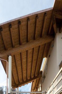 Tetto in legno lamellare impregnato