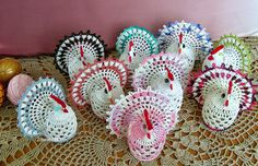 2owieczki: marca 2014 Bolero Pattern, Cute Chickens, Easter Crochet Patterns, C2c, Ribbon Bows, Christmas Ornaments, Knitting, Holiday Decor, Diagram