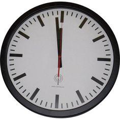 Ten zegar ''dworcowy'' łączy w sobie klasyczną estetykę i wysoko