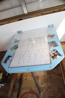 Quick Map Table Top to Redo Our Lovely Mauve kitchen table :-P