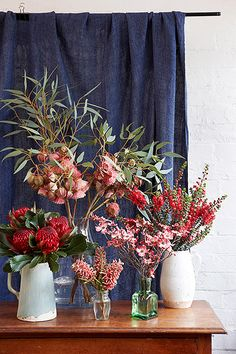 want for Christmas…with Lisa Green My failsafe Christmas styling tip is heirloom table linen and huge vases of hydrangeas and/or Christmas bush.My failsafe Christmas styling tip is heirloom table linen and huge vases of hydrangeas and/or Christmas bush. Aussie Christmas, Australian Christmas, Noel Christmas, Christmas Crafts, Christmas Decorations Australian, Christmas Ideas, Christmas Music, Hygge Christmas, Christmas Garden