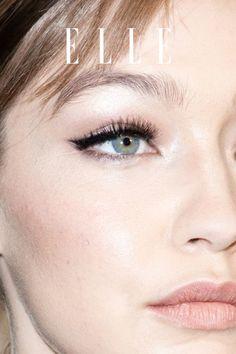 Beauty-Tipp: Es gibt einen Mascara-Hack, der für längere und vollere Wimpern sorgt. Wie er funktioniert, zeigen wir im Elle-Video! #beauty #haut #hautpflege #skincare