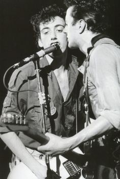 Mick Jones and Joe Strummer photographed by Bob Gruen