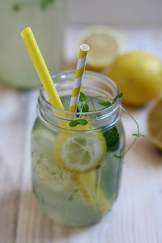 The recipe for perfect homemade lemonade / Zelfgemaakte citroenlimonade | Yellow lemon tree