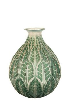 Tropical leaf motif vase