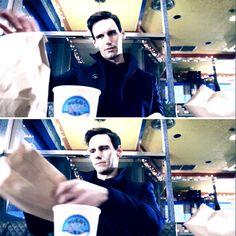 Baby Cory and his lunch. Cory Smith, Cory Michael Smith, Edward Nygma Gotham, Penguin And Riddler, Riddler Gotham, Gotham Girls, Cameron Monaghan, British Boys, Gotham City