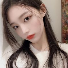 Image may contain: 1 person, selfie and closeup Korean Beauty Girls, Pretty Korean Girls, Cute Korean Girl, Cute Asian Girls, Beautiful Asian Girls, Asian Beauty, Korean Makeup Ulzzang, Mode Ulzzang, Ulzzang Korean Girl