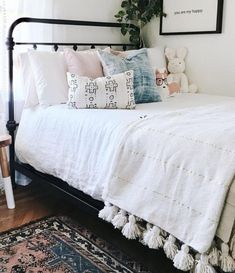 Cheap DIY Projects For Your Home Decoration - Steaten Dream Rooms, Dream Bedroom, Home Bedroom, Bedroom Decor, Bedrooms, Bedroom Inspo, Bedroom Ideas, My New Room, My Room