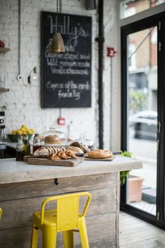 PLACES TO GO | HALLY'S CAFE AND DELI IN SW LONDON #london #cafe #deli