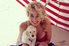 Margot in the beach
