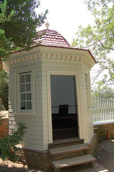 Mount Vernon Out-House