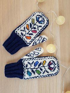 22 Ideas knitting socks for beginners simple patterns Easy Knitting Patterns, Lace Knitting, Knitting Socks, Knit Socks, Crochet Mittens, Mittens Pattern, Crochet Gloves, Knit Crochet, Headband Pattern