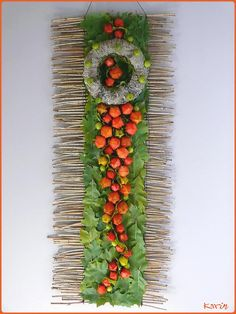 Physalis of lampionplant om te bloemschikken - Physalis alkekengi var… Modern Floral Arrangements, Fall Flower Arrangements, Grave Decorations, Flower Decorations, Corporate Flowers, Flower Wall Decor, Funeral Flowers, Fall Flowers, Flower Designs