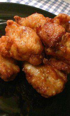 鶏もも肉 300g ●おろしにんにく 1片 ●おろししょうが 1片 ●酒 大さじ2 ●醤油 大さじ1.1/2 ●ごま油 小さじ1 卵 1/2個 揚げ油 適量 ◎薄力粉 大さじ1.1/2 ◎片栗粉 大さじ1.1/2