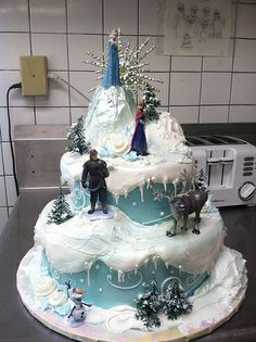 2 tier buttercream 'Frozen' scene
