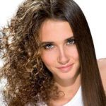 Produtos para alisar cabelos crespos