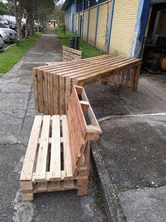 Pallets viram móveis em curitiba