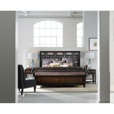 Hooker Furniture Ludlow Queen Fretwork Storage Bed HO-1030-91350
