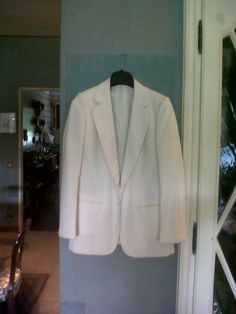 very elegant and Hand made Brioni jacket. Silk lining