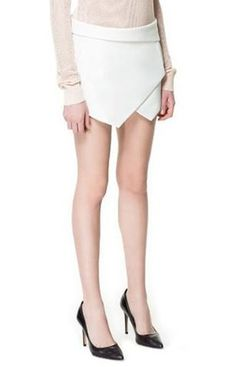 This could quite possibly be the cutest skort ever. Short Women Fashion, Womens Fashion For Work, Women's Summer Fashion, Latest Fashion For Women, Woman Fashion, Street Style Women, Leggings Are Not Pants, Pants For Women, Bermudas