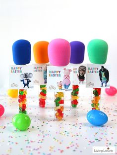 SING MOVIE DIY Candy Microphone Party Favors are the perfect craft for a birthday Easter baskets or teacher gifts! Craft Party, Craft Stick Crafts, Diy Crafts, Birthday Party Favors, 1st Birthday Parties, 10th Birthday, Birthday Ideas, Diy Karaoke Party, Microphone Craft
