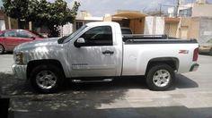 Excelente Camioneta CHEYENNE 2500 cab. Reg 4x4 100% MEXICANA en perfectas condiciones, Mod 2011 8 cilindros todo pagado no le falla nada, servicios en regla y forma. INFO AL 8711188018