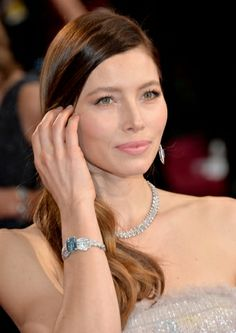 2014 Academy Awards: Jessica Biel wore a platinum, diamond and aquamarine bracelet by Tiffany & Co. with a diamond cluster necklace Aquamarine Bracelet, Aquamarine Stone, Charlize Theron, Oscars 2014, Celebrity Jewelry, Gems Jewelry, Jewellery, Platinum Jewelry, Cluster Necklace