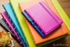 http://www.gouletpens.com/filofax-large-notebook-fuchsia-lined/p/FFX-B115105U