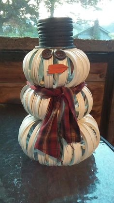 ~ Snowman made from mason jar lids and rims ~ diy ~ Chrisrmas ~ winter~ mason jar crafts ~ country ~ rustic ~ holidays ~ Snowman Crafts, Christmas Projects, Decor Crafts, Holiday Crafts, Christmas Crafts, Christmas Ornaments, Christmas Snowman, Fall Crafts, Christmas Ideas